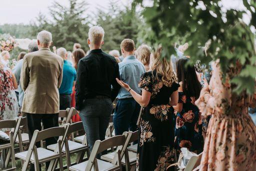 Mit unseren modernen Geschenkanhängern und unseren minimalistischen Geschenkanhängern euren Hochzeitsgästen eine Freude machen.