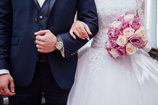 Mit den Kirchenheften sind auch eure Hochzeitsgäste bestens auf die Trauung vorbereitet.