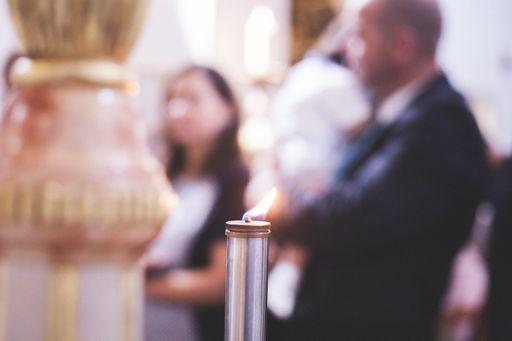 Mit den Taufkarten ladet ihr Familie und Freunde an, an der Taufe eures Babys teilzunehmen.