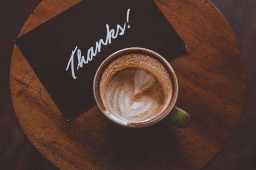 Moderne Dankeskarten und minimalitische Dankeskarten sind absolut im Trend