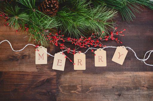 Mit Weihnachtskarten in schönen Briefumschlägen verschickt ihr pure Weihnachtsfreude.
