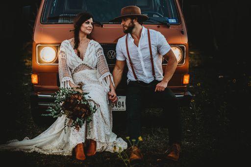 Hochzeitseinladungen für eine Boho Hochzeit? Bei uns findet ihr viele Designs für eure Einladungen.