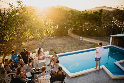 Schöne Partyeinladung für eure Feier gibt es bei hochzeitseinladungen.de.