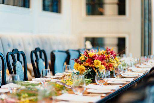 Menükarten sind ein tolles Dekoelement für eure Hochzeitsfeier.